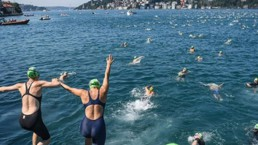 Women for Refugee Women Fundraise Professor Henrietta Moore Swimming